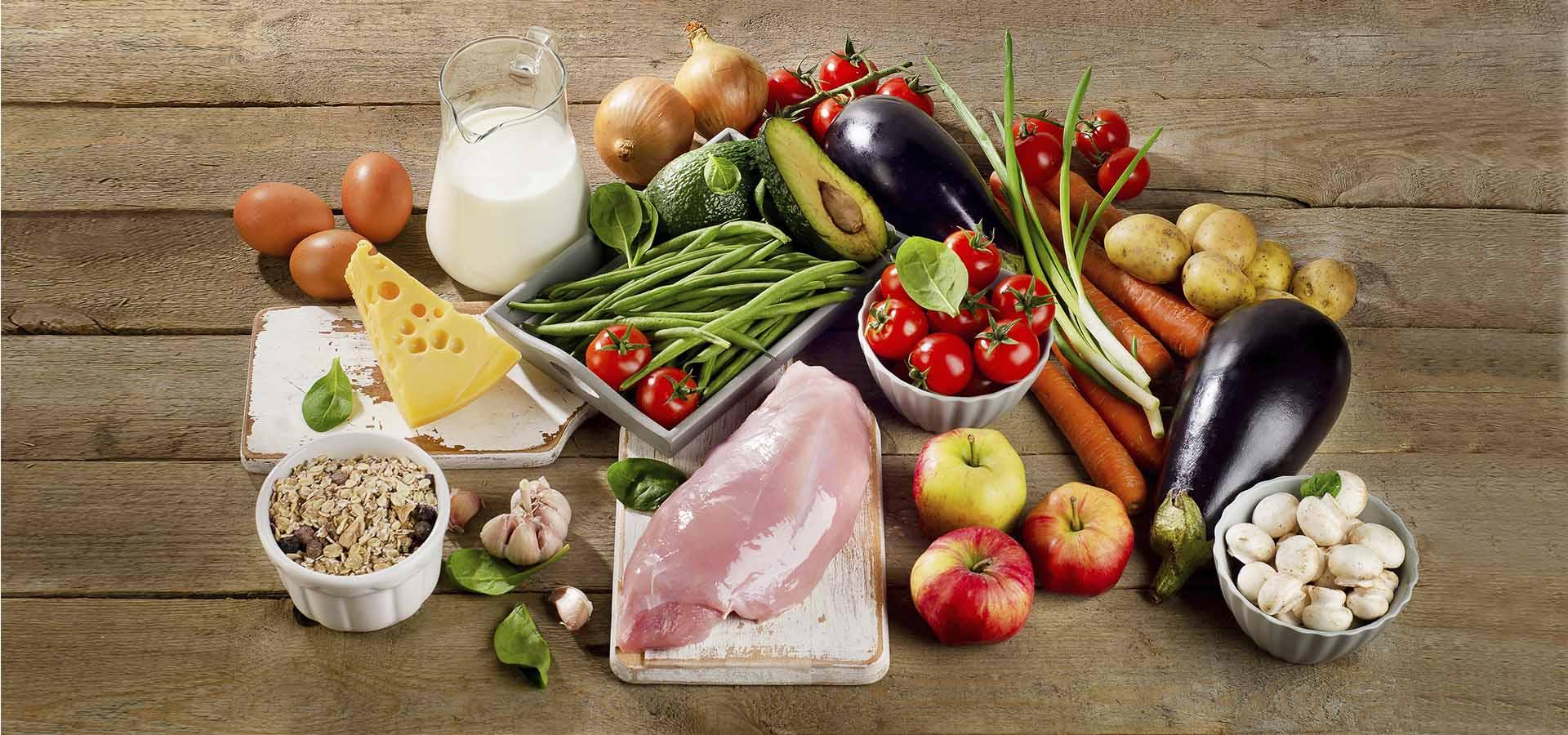 set-de-alimentos-para-el-envasado-termoformados-banyeres-tarrinas-loncheados-bandejas